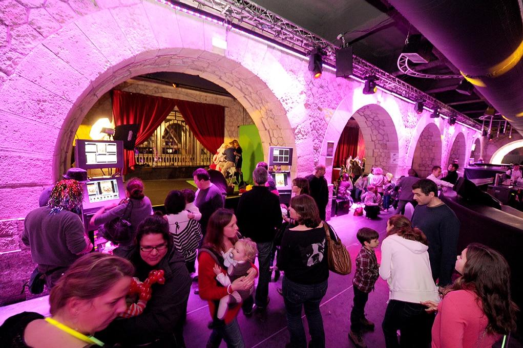 photographe evenementiel paris 14 - Photographe - Organisation d'une fête de noël par un comité d'entreprise au Showcase à Pari