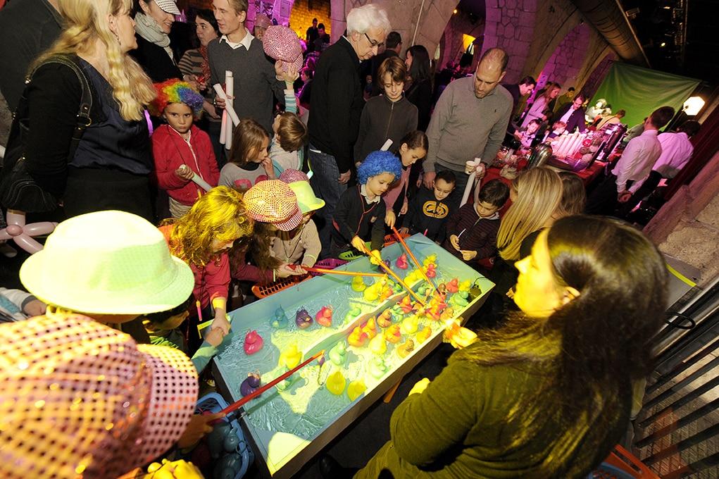 photographe evenementiel paris 22 - Photographe - Organisation d'une fête de noël par un comité d'entreprise au Showcase à Pari