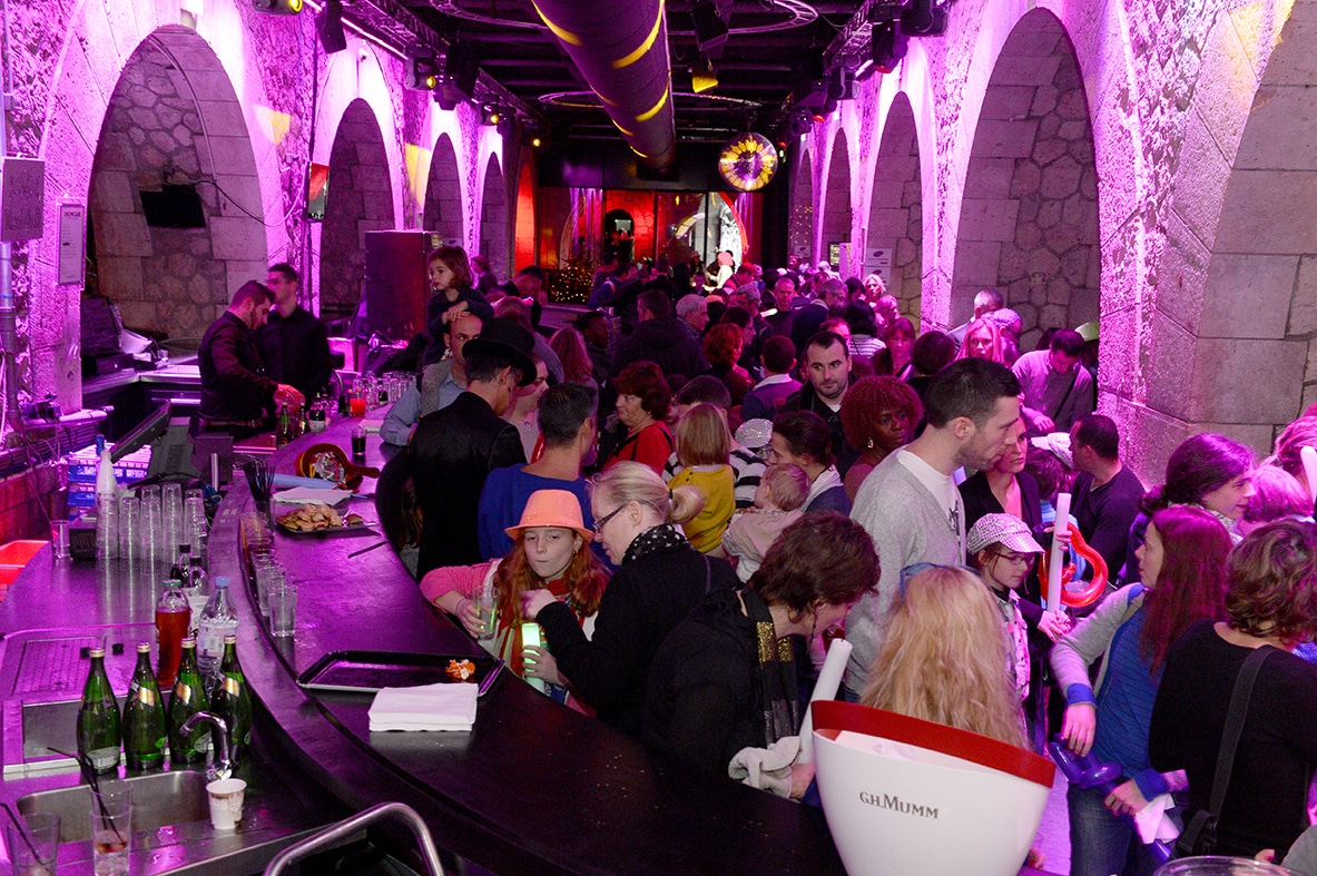 photographe evenementiel paris 6 - Photographe - Organisation d'une fête de noël par un comité d'entreprise au Showcase à Pari