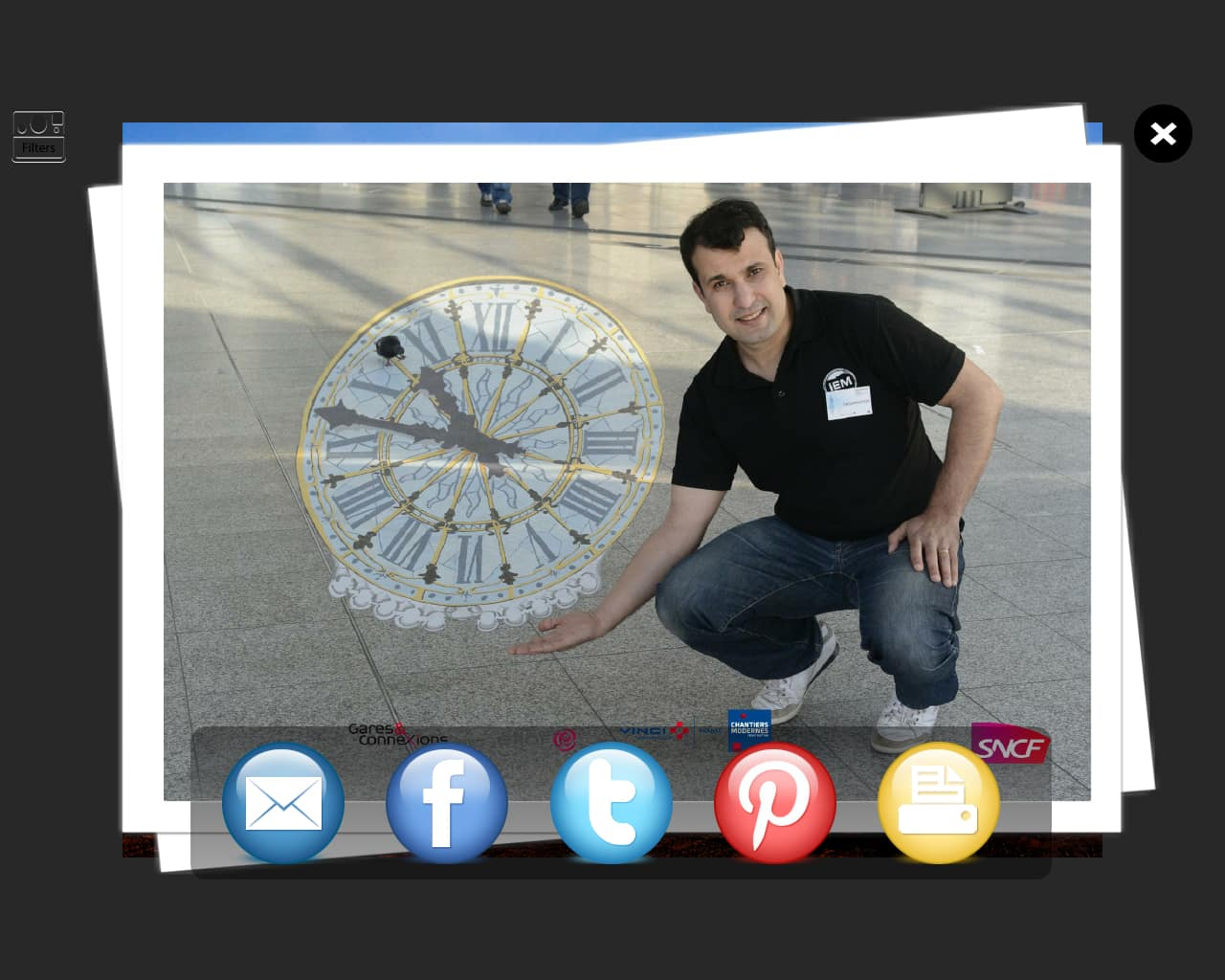 resea - Sharing to media social networks photobooth